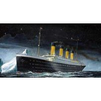 REVELL 05804 RMS TITANIC 1/1200