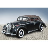 ICM 24022 ADMIRAL CABRIOLET SOFT TOP, WWII GERMAN PASSENGER CAR 1:24