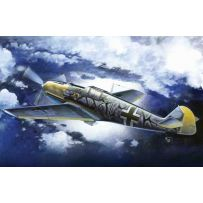 ICM 72135 MESSERSCHMITT BF 109E-7/B, WWII GERMAN FIGHTER-BOMBER 1:72