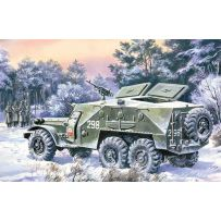 ICM 72521 BTR-152K, ARMOURED PERSONNEL CARRIER 1:72