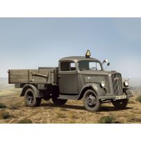 ICM 35401 TYP 2,5-32 (1,5 TO), WWII GERMAN LIGHT TRUCK 1:35
