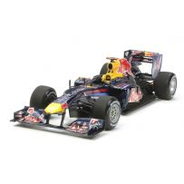 TAMIYA 20067 RED BULL RENAULT RB6 1:20