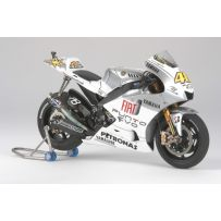 TAMIYA 14120 YZR M1 2009 ESTORIL 1:12