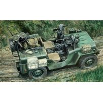 ITALERI 320 COMMANDO CAR 1/35