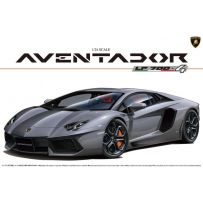 LAMBORGHINI AVENTADOR LP700-4 (FULL ENGINE DETAIL) 1/24