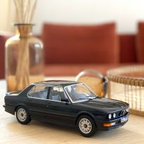 BMW M535i 1986 - Black metallic 1/18