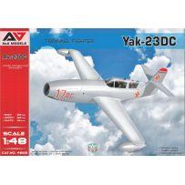 Chasseur d'entraînement Yak-23 DC 1/48