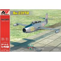 Entraîneur militaire Yak-23 UTI 1/48