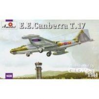 E.E.Canberra T.17 1/144