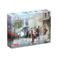 Icm 35905 - Tchernobyl # 5. Évacuation (4 adultes, 1 enfant et bagages) 1/35