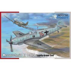 Messerschmitt Bf 109E-1 (Lightly-Armed Emil) 1/72