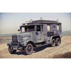 ICM 35467 HENSCHEL 33 D1 KFZ.72, WWII GERMAN RADIO COMMUNICATION TRUCK 1:35