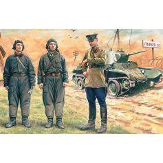 Soviet Tank Crew 1939-1942 3 figures - 1 officer 2 tankmen 1/35