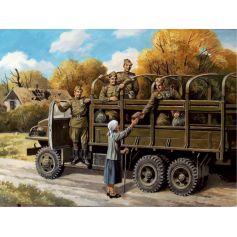 ICM 35635 SOVIET MOTORIZED INFANTRY (1943-1945), (5 FIGURES) 1:35