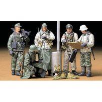 Soldats All. Au Rapport 1/35