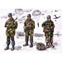 CMK F72075 FALLSCHIRMJAGER WWII (3 FIG.) 1/72